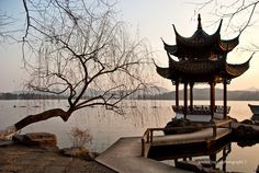 {China} Picturesque West Lake of Hang Zhou    -most romantic place in China...  can't wait to go back!
