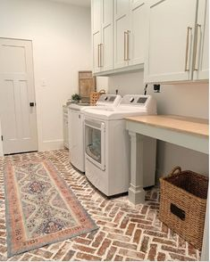 Brick Floor: Raleigh Used with Ivory mortar this is from our Mississippi Collection Mudroom Laundry Room, Laundry Room Remodel, Farmhouse Laundry Room, Laundry Room Design, Kitchen Remodel, Laundry Room Floors, Brick Floor Kitchen, Kitchen Flooring, Kitchen Brick Backsplash