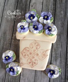 Pansies in a Beautiful Flower Pot | Cookies by Missy Sue