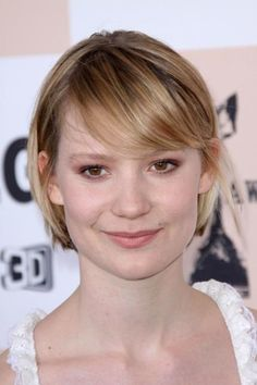 How To Get Mia Wasikowska's Above-The-Chin Bob