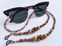 Sunglasses Holder, Wayfarer, Ray Bans, Style, Fashion, Swag, Moda, Fashion Styles, Fashion Illustrations