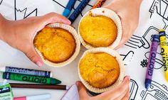 As crianças vão adorar estes muffins de cenoura e laranja, fofos e húmidos, práticos e deliciosos para um lanche de escola.