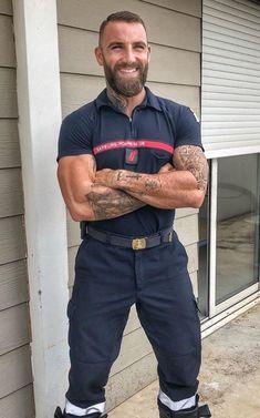Handsome Older Men, Scruffy Men, Beard Images, Hot Guys Tattoos, Beefy Men, Beautiful Men Faces, Hommes Sexy, Men In Uniform, Raining Men