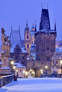 Prague, Czech Republic What a beautiful place! Places To Travel, Places To See, Photo Chateau, Europe Centrale, Prague Czech Republic, Winter Scenery, Croatia Travel, Italy Travel, Nightlife Travel
