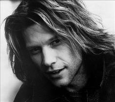 Bon Jovi is an American rock band from Sayreville, New Jersey. Formed in Bon Jovi consists of lead singer and namesake Jon Bon Jovi, Bon Jovi Live, Bon Jovi 80s, Rock Roll, Divas, Historia Do Rock, Bon Jovi Pictures, Dorothea Hurley, Shaggy Long Hair