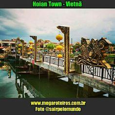 Hoian Town - #Vietnã  www.megaroteiros.com.br  Foto @sairpelomundo  ___________________________________  Marque suas fotos com a hashtag  #megaroteiros e apareça no Mega Roteiros