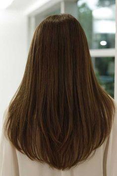 Saçlarda V Kesim Modası! En Şık 20 V Saç Kesimleri