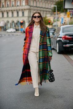 Stockholm Fashion Week S/S 2019 - The Style Stalker - Street Style by Szymon Brzóska Winter Fashion Outfits, Look Fashion, Autumn Fashion, Womens Fashion, Fashion Trends, Fashion Tips, Moda Streetwear, Streetwear Fashion, Cute Casual Outfits