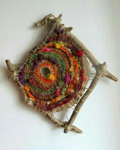 wild circular weaving - tissage circulaire avec bois flotté - Our Secret Craftstissage sur bois flotté - Filzélaine - waff life photos and sharedWeaving on 4 pieces of driftwood, gorgeous!weaving with sticks and yarn The colors flow and leap! Weaving Textiles, Weaving Art, Tapestry Weaving, Loom Weaving, Hand Weaving, Finger Weaving, Circular Weaving, Diy And Crafts, Arts And Crafts