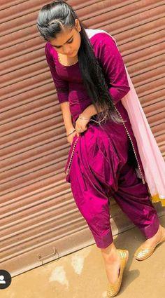 Patiala Suit Designs, Patiala Salwar Suits, Salwar Designs, Punjabi Suit Simple, Salwar Suits Simple, Cute Dress Outfits, Cute Dresses, Dress Indian Style, Indian Dresses