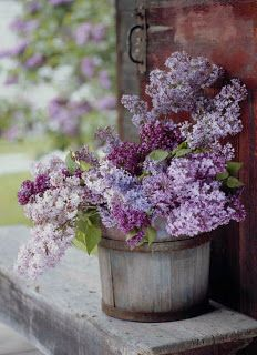 .Outdoor lilac arranging