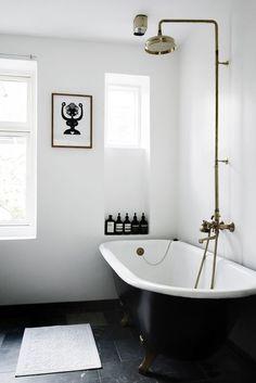 The 25+ best Black bathrooms ideas on Pinterest | Black ...