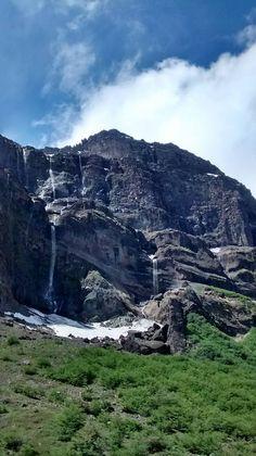 Cerro Tronador, vlocán geológicamente activo, Argentina / Copartido los dos países de Chile y Argentina