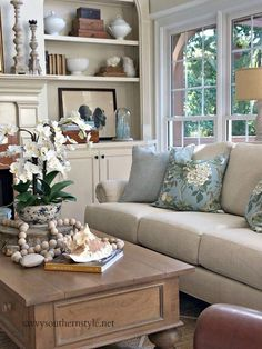Savvy Southern Style : Simple Summer Style in the Great Room Luxury and Cozy Farmhouse Living Room Decor Ideas French Country Living Room, Home And Living, House Interior, Home, Interior, Living Decor, Summer Living Room, Farm House Living Room, Living Room Designs
