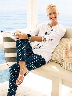 women& summer fashion over 40 ; damen sommermode über 40 women& summer fashion over 40 ; Fashion For Women Over 40, 50 Fashion, Look Fashion, Fashion Outfits, Fashion Trends, Fashion Stores, Fashion Women, Chicos Fashion, Fashion Ideas