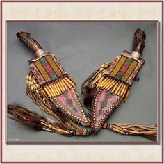 Knives and sheaths from Wild Rose Trading Co. Native Beadwork, Native American Beadwork, Cool Knives, Knives And Swords, Best Hunting Knives, Native American Artifacts, Knife Art, Knife Sheath, Tactical Knives