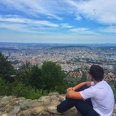 Bild fotografiert von @viniciusmeira_ Klasse  Copyright -> @viniciusmeira_ on Instagram Link https://www.instagram.com/p/990OfKIZOA     #zurich #switzerland #swiss #zürich #guesthouse #ferienwohnung #fewo #ferienhaus #basel #bern #genf #hoildays #ferien #uetliberg #topofzurich #züriberg #zürichberg #suisse #svizzera
