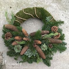 Související obrázek Outdoor Christmas Tree Decorations, Christmas Wreaths, Holiday Decor, Flower Factory, Corona Floral, Cemetery Decorations, Advent Wreath, Funeral Flowers, How To Make Wreaths