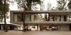 Современный двухэтажный дом Noi с бассейном от студии DBALP / CURATED.ru