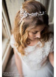 Deze diadeem is verkrijgbaar op www.weddingworld.nl