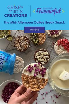 Whip up this easy, indulgent afternoon coffee break snack in 10 minutes! All you'll need are some Crispy Minis® Large Rice Cakes, melted chocolate, nuts, seeds, dried fruit or edible flowers! Get creative with your creation! Recipe courtesy of @curious_mag. Healthy Deserts, Healthy Snacks, Healthy Recipes, Dessert Drinks, Dessert Recipes, Desserts, Pause Café, Rice Cakes, Coffee Break
