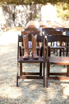 ways to honor lost loved ones by Oh Lovely Day | save them a seat with their books or something special that belonged to them | JL Photography