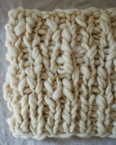 """Whit's Knits: Pixie Dust Lap Blanket - The Purl Bee - Knitting Crochet Sewing Embroidery Crafts Patterns and Ideas! **USE """"camel heather"""" sister yarn off Purl Soho Purl Bee, Chunky Blanket, Lap Blanket, Cute Blankets, Knitted Blankets, Chunky Crochet, Knit Crochet, Chunky Knits, Knitting Yarn"""