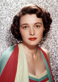 Vintage Glamour Girls: Patricia Neal