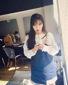 Netizen ngỡ ngàng khi biết Hyuna trang điểm càng nhẹ càng xinh - Ảnh 2.