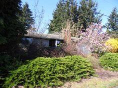 Right side view of home. #FrontDoorRealty #FrontDoorNW #HomesForSale #PDX #Portland #PortlandOR #PortlandHomesForSale #OregonHomesForSale #OneLevelHomes #RealEstate #PortlandORRealEstate #RealEstateForSale #Auction #AuctionProperty #AuctionHomesForSale