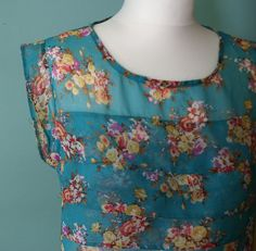 Floral Sleeveless Top Flowers turquoise by ModLoveVintageshop #vogueteam #vintage #fashion