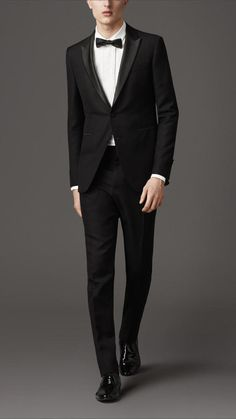 For Noctis with black shirt (Modern Fit Compact Wool Mohair Tuxedo Mohair Suit, Burberry Suit, Expensive Suits, Smoking, Black Suits, Formal Wear, Formal Outfits, Mens Suits, Cool Style