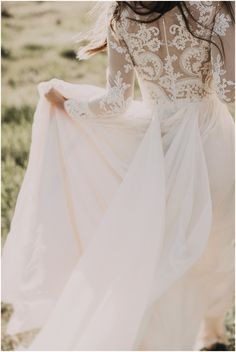 Beautiful Long Sleeved A-line Chiffon Outdoor Wedding Dress