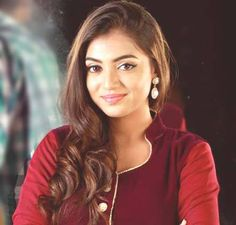 Beautiful and talented, Nazriya Nazim started her career at the age Who is working in Malayalam and Tamil film industry. Indian Film Actress, South Indian Actress, Beautiful Indian Actress, Indian Actresses, Beautiful Celebrities, Beautiful Actresses, Hairstyles Haircuts, Cool Hairstyles, Nazriya Nazim
