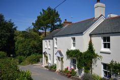 Looking down the lane to Lilac Cottage, an extremely well presented property nestled in the heart of the South Hams - an ideal spot for a romantic getaway