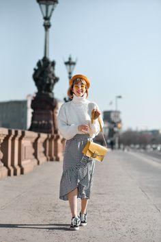 outfit: Karo Midirock - nachgesternistvormorgen Fashion Weeks, Furla, Midi Skirt, Hipster, Skirts, Clothing, Pants, Hair, Fashion Styles