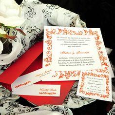 Referencia: prov030. Participación casamiento. Sobre Reyna satinado rojo 240grs. Incluye tarjetón, tarjeta personal y tarjeta para souvenir.