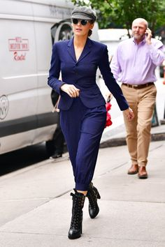 blake lively outfits best outfits - Page 16 of 101 - Celebrity Style and Fashion Trends Blake Lively Street Style, Blake Lively Outfits, Blake Lively Style Casual, Blake Lively Fashion, Estilo Serena Van Der Woodsen, Menswear Street Style, Black Lively, Estilo Street, Look Fashion