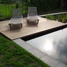 Terrasplanken in Ipé Garden Furniture, Outdoor Furniture, Outdoor Decor, Garden Paths, Garden Landscaping, Gardening, Pool Water, Sun Lounger, Outdoor Spaces