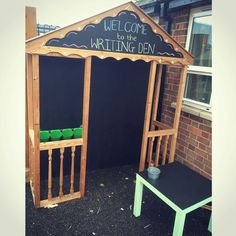 Early years outdoor area writing opportunity encourage writing den ikea table hack chalkboard blackboard learning through play writing den Eyfs Outdoor Area, Outdoor Play Areas, Outdoor Spaces, Construction Area Early Years, Blackboard Learn, Chalkboard, Outdoor Learning Spaces, Writing Area, Outdoor Classroom