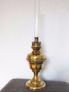 pingl par chienchineur62 sur lampes a petrole lampes anciennes pinterest lampe ancienne. Black Bedroom Furniture Sets. Home Design Ideas