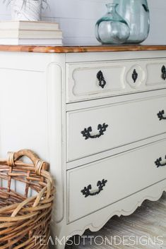 General Finishes Milk Paint in Linen