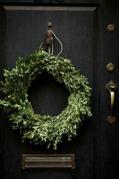 Simple wreath - after Christmas decor