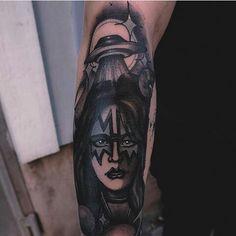 @niklashnikov Kiss Tattoos, Kiss Band, Tatting, Tattoo Ideas, Skull, Instagram, Bobbin Lace, Needle Tatting, Skulls