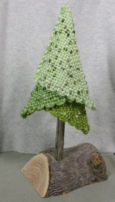 Pin loom tree inspiration. This site is all about pin loom weaving.
