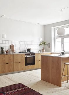 Basic Theme of Scandinavian Kitchen Decor Ideas - Home Decor & DIY Ideas Budget Kitchen Remodel, Kitchen On A Budget, Home Decor Kitchen, Interior Design Kitchen, Kitchen Furniture, Diy Kitchen, Home Kitchens, Kitchen Ideas, Green Kitchen