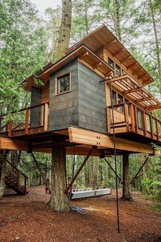 Beste Baumhaus Designs – Diy Home Decor Wood Beautiful Tree Houses, Cool Tree Houses, Block House, Home Design, Cabin Design, Shed To Tiny House, Build House, Tree House Plans, Cabin In The Woods