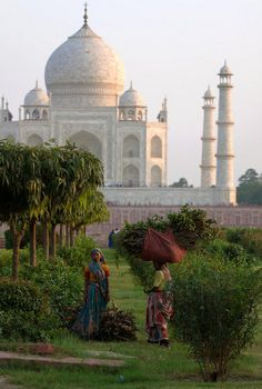 just-wanna-travel: Agra, India Monument In India, Le Taj Mahal, Bollywood, Amazing India, Visit India, Agra, Belle Photo, Two By Two, Places To Visit