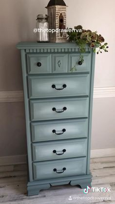 Painted furniture with Dixie Belle Cheap Furniture Makeover, Diy Furniture Renovation, Diy Furniture Projects, Refurbished Furniture, Repurposed Furniture, Furniture Legs, Barbie Furniture, Art Furniture, Furniture Design