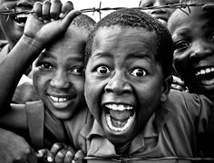 Kids of Lesotho - BelAfrique Look at their cute, smiling, happy, loveable faces. I want to kiss them. Precious Children, Beautiful Children, Happy Children, We Are The World, People Of The World, Child Smile, African Children, Cartoon Girl Drawing, Fotografia